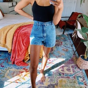 medium wash denim mom shorts